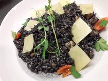 Crni rižoto od sipe Cuttlefish risotto