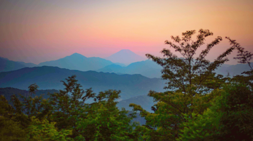 earth trekking 高尾山から見る夕暮れの富士山