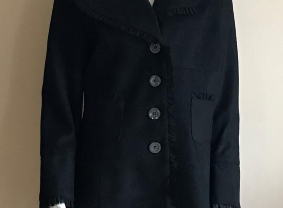 black-short-suede-look-coat