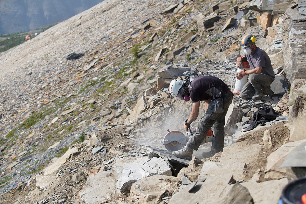 Sawing shale