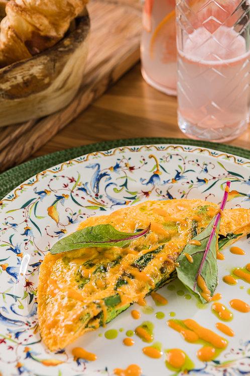 Омлет, брокколи, эдамаме и кенийская фасоль