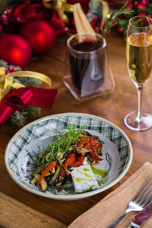 Печёные овощи, фета и азиатский соус