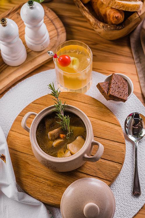 Суп из белых грибов с розмарином