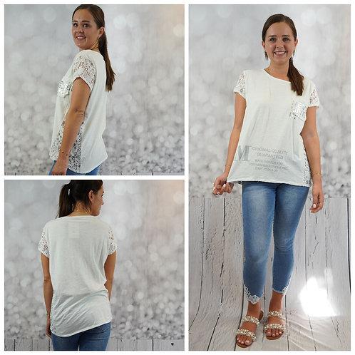 T-Shirt mit Schriftzug und Spitze