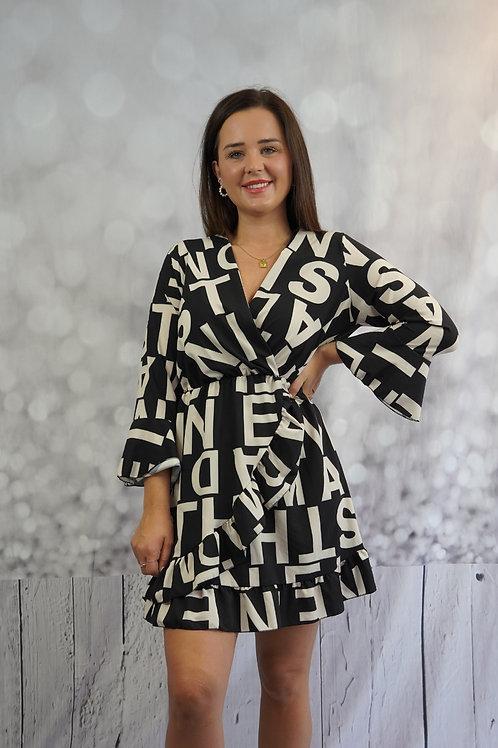 Kleid mit Buchstaben