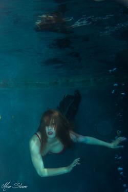 Dark Water-10