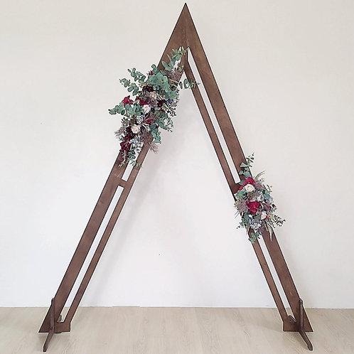 Arche triangulaire en bois