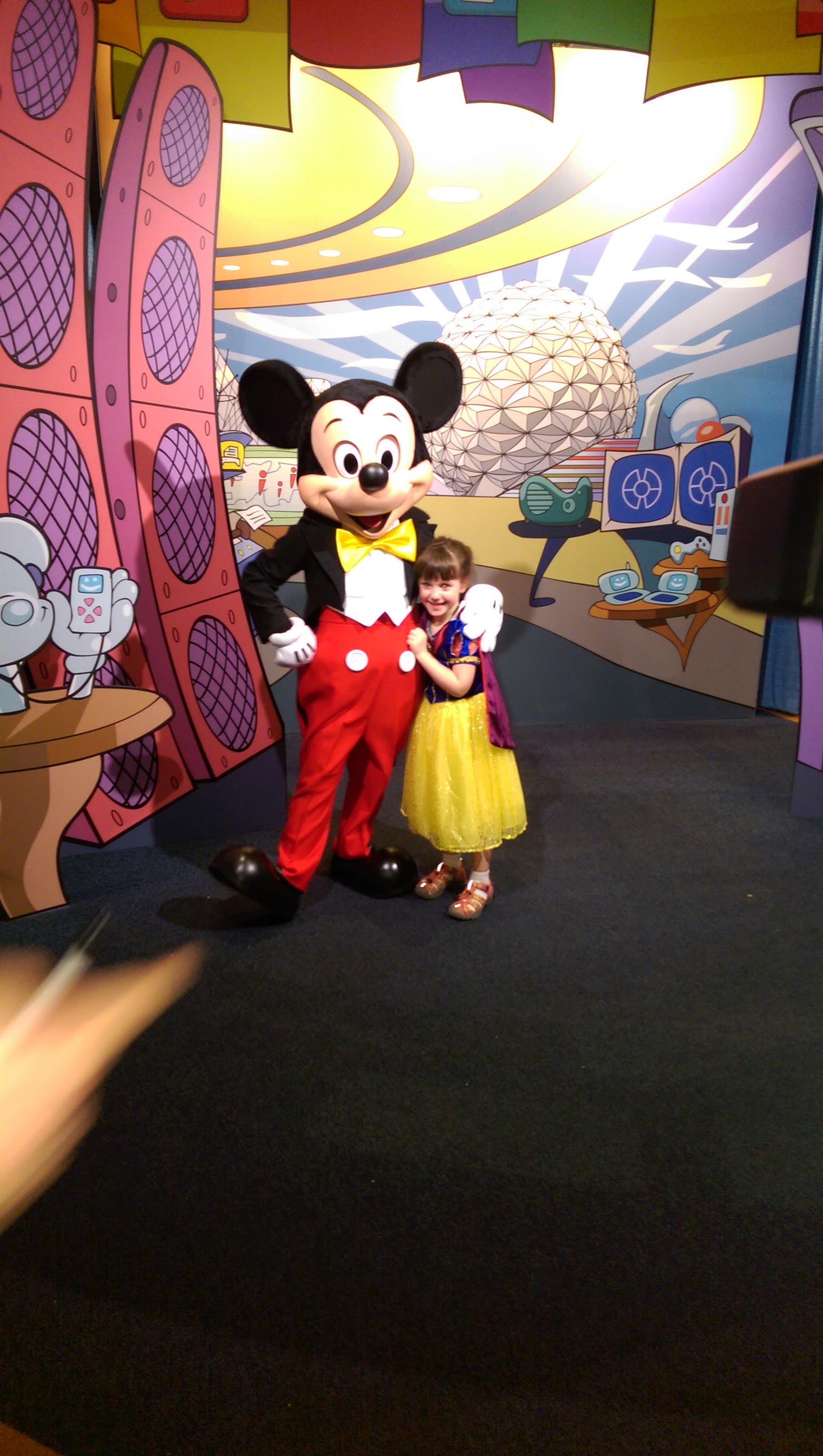 Meeting Mickey ((Erin _ Ann Marie Chappell_ and Kris _ Mike Daly Sr (3)