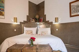 Riad Magellan bed 1.jpg