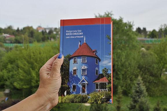 """Realia Finlandii latem i zimą Recenzja książki Małgorzaty Sidz ,,Kocie chrzciny. Lato i zima w Finlandii"""""""
