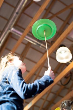 Żonglowanie talerzykiem