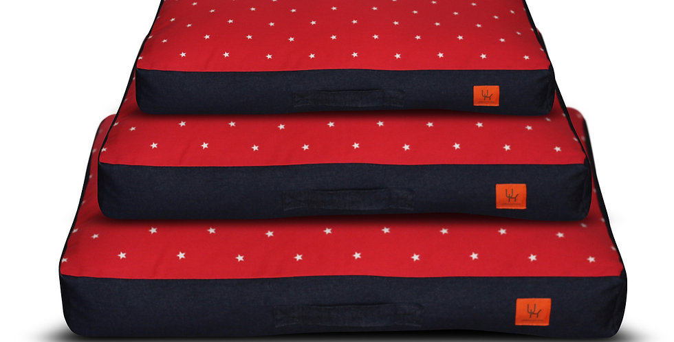 Mattress bed red star design