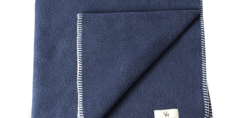 Blanket navy with silver stitching