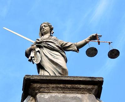 justice-626461.jpg