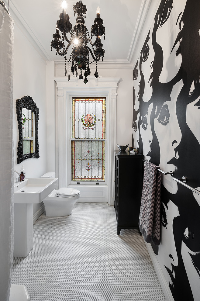 Gorgeous black lighting, mirror and unusual wallpaper make this room pop! Source: Unknown