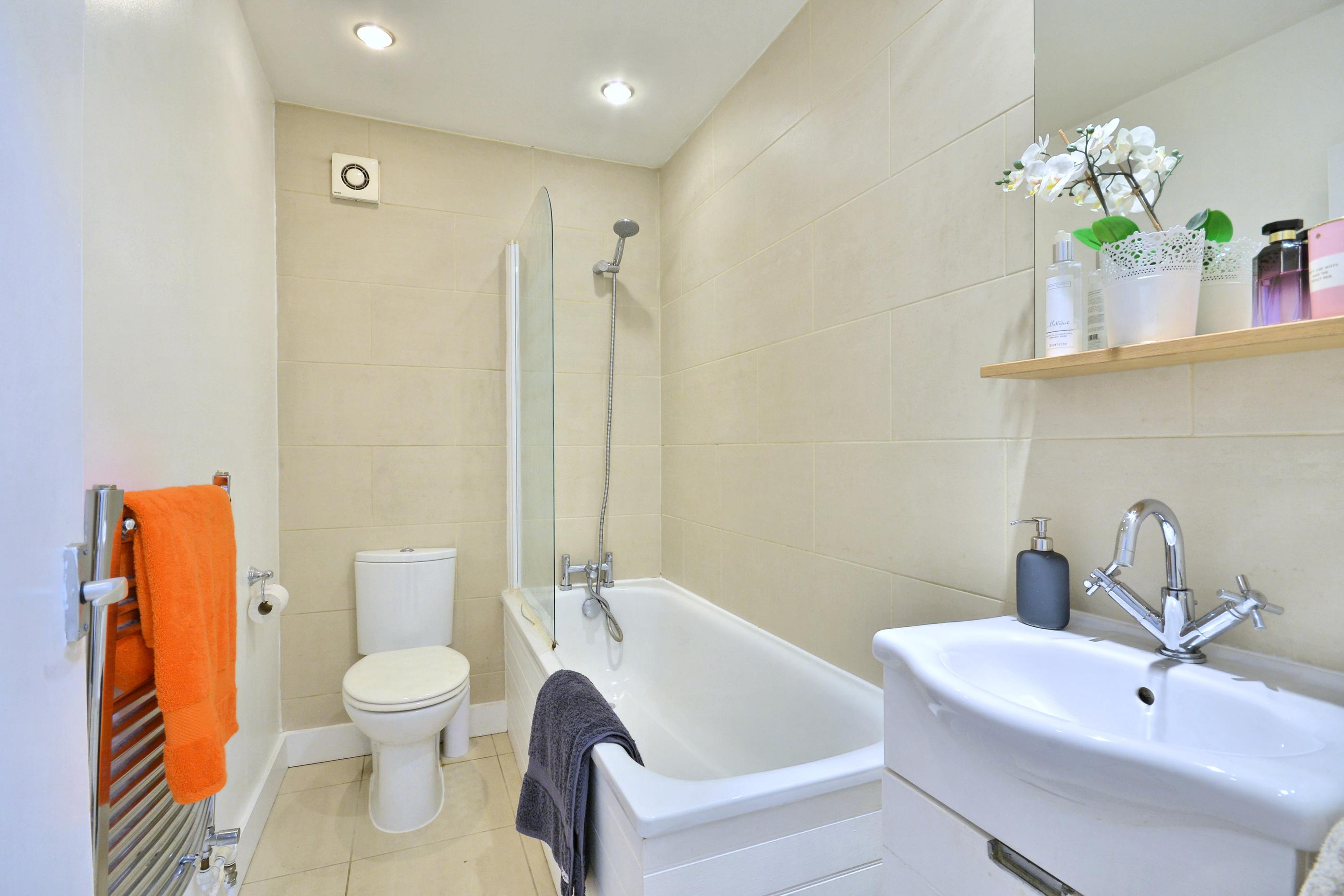 Bathroom_0193_redi