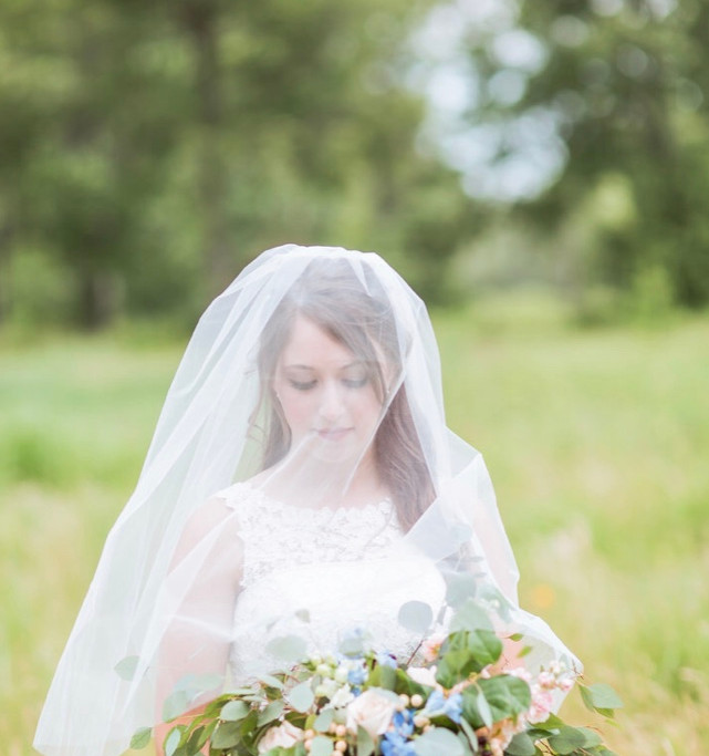 garden style bridal bouquet.jpg