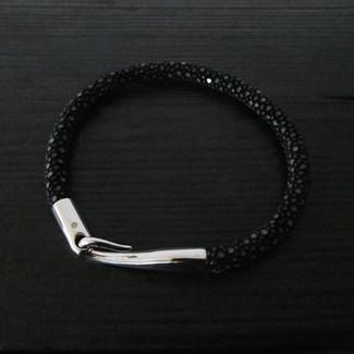 """Bracelet galuchat noir et fermoir """"Limpide"""""""