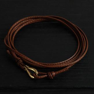 Bracelet cordon cuir marron fin et fermoir crochet vermeil