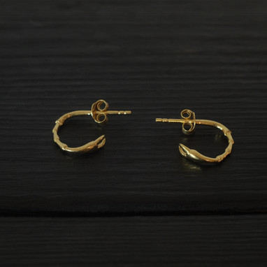 Vermeil scarab legs loops earrings