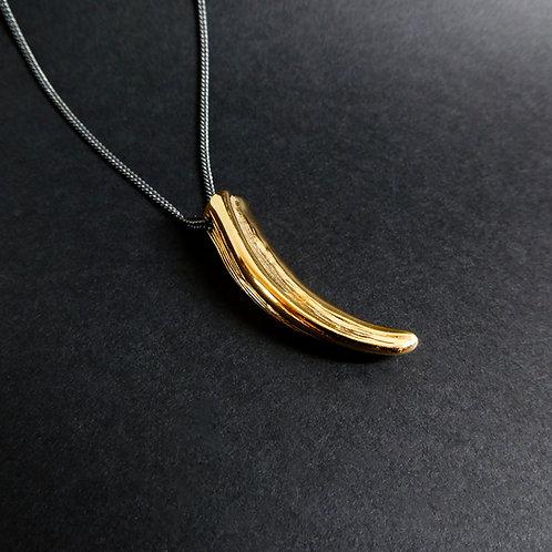 Corne vermeil sur chaine argent patinée