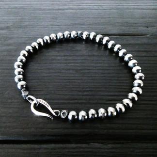 """Bracelet perles argent patiné et fermoir """"Crochet"""""""