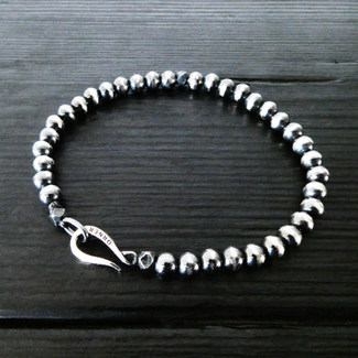"""Patinated silver pearl and """"Hook"""" bracelet"""