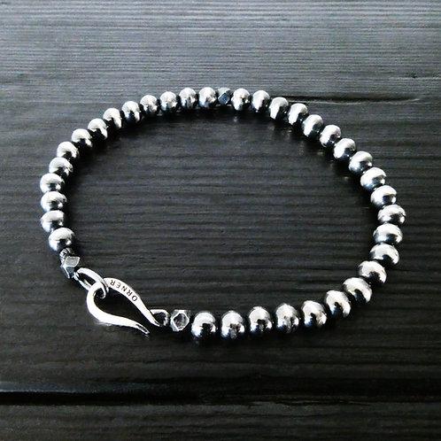 """Bracelet perles et fermoir """"Crochet"""" argent patiné"""