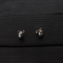 Boucles d'oreilles petit scarabée argent 925 patiné