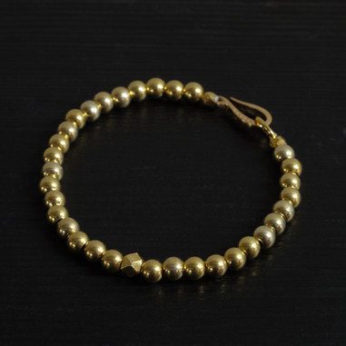 """Hook"" clasp and vermeil beads bracelet"