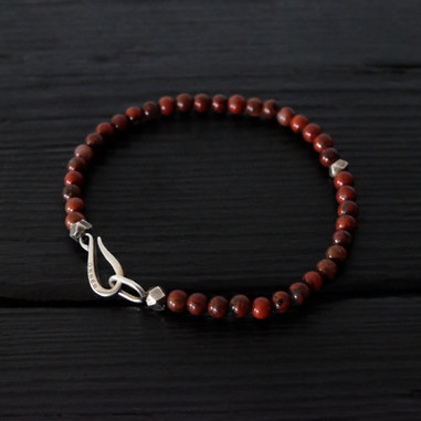 "Red jasper bracelet and ""Hook"" clasp in sterling silver"