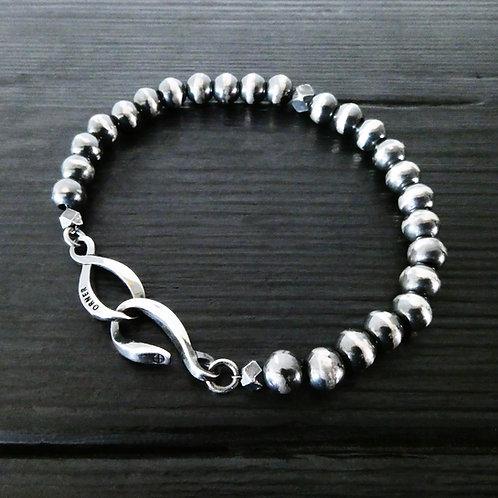 """Bracelet perles et fermoir """"infini"""" argent patiné"""