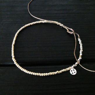 Round metalized glass beads bracelet