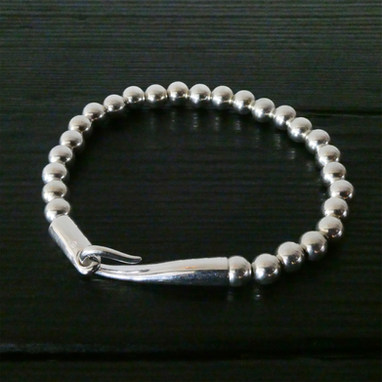 """""""Limpide"""" clasp & silver beads bracelet"""