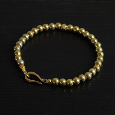 "Vermeil beads bracelet and ""Hook"" clasp"