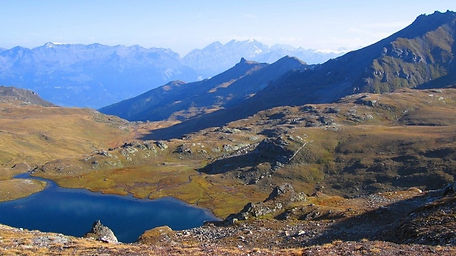 lac_meandres_ete_pano.jpg