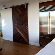 Walnut door with the Ponto door