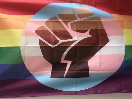 Hamis transz-plakátokkal keltenék a gyűlöletet