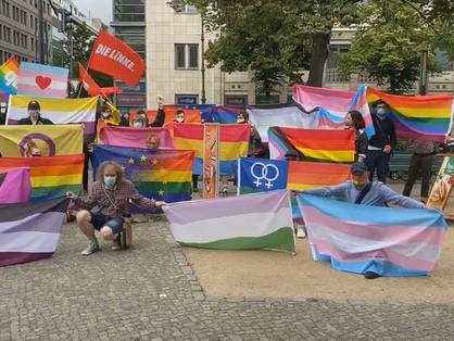 A transzellenes törvény miatt tüntettek Berlinben