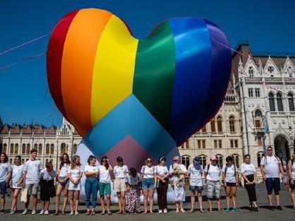 Hatályba lépett az orosz mintájú melegellenes törvény