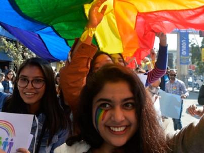 Leszbikus esküvő indiai módra