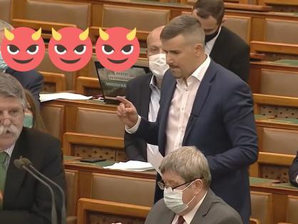 Majdnem elcsattant egy csók a Parlamentben