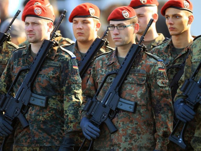 Kártérítést kapnak a német meleg katonák