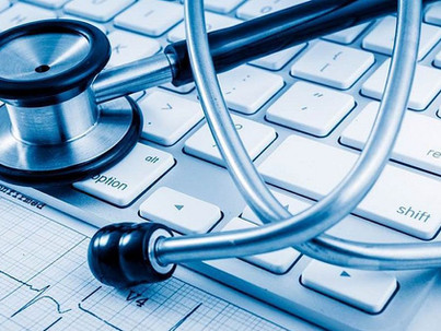 Mindent láthatnak rólunk az egészségügyben?