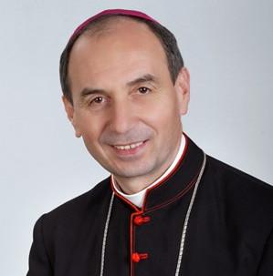 Feljelentette magát a pap