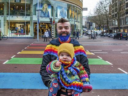 Hollandia elismerheti a kettőnél több szülős családokat