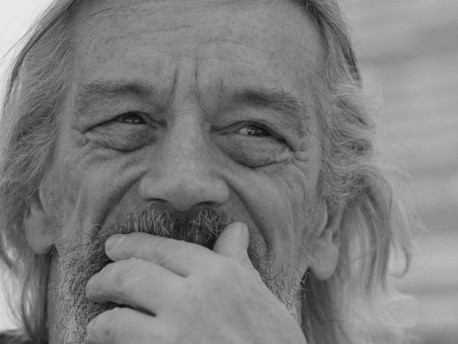 Elhunyt Korzsényi Tibor