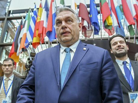 ENSZ figyelmeztetést kapott Orbán