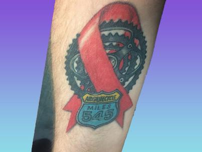 8 inspiráló HIV/AIDS tetoválás a prevenció jegyében