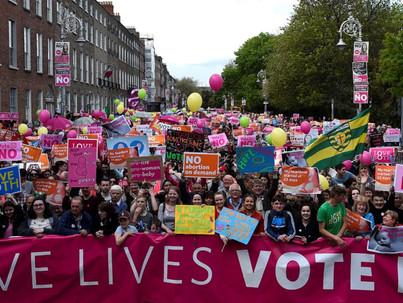 Az ír abortuszviták rávilágítanak az LMBT jogok hiányosságaira